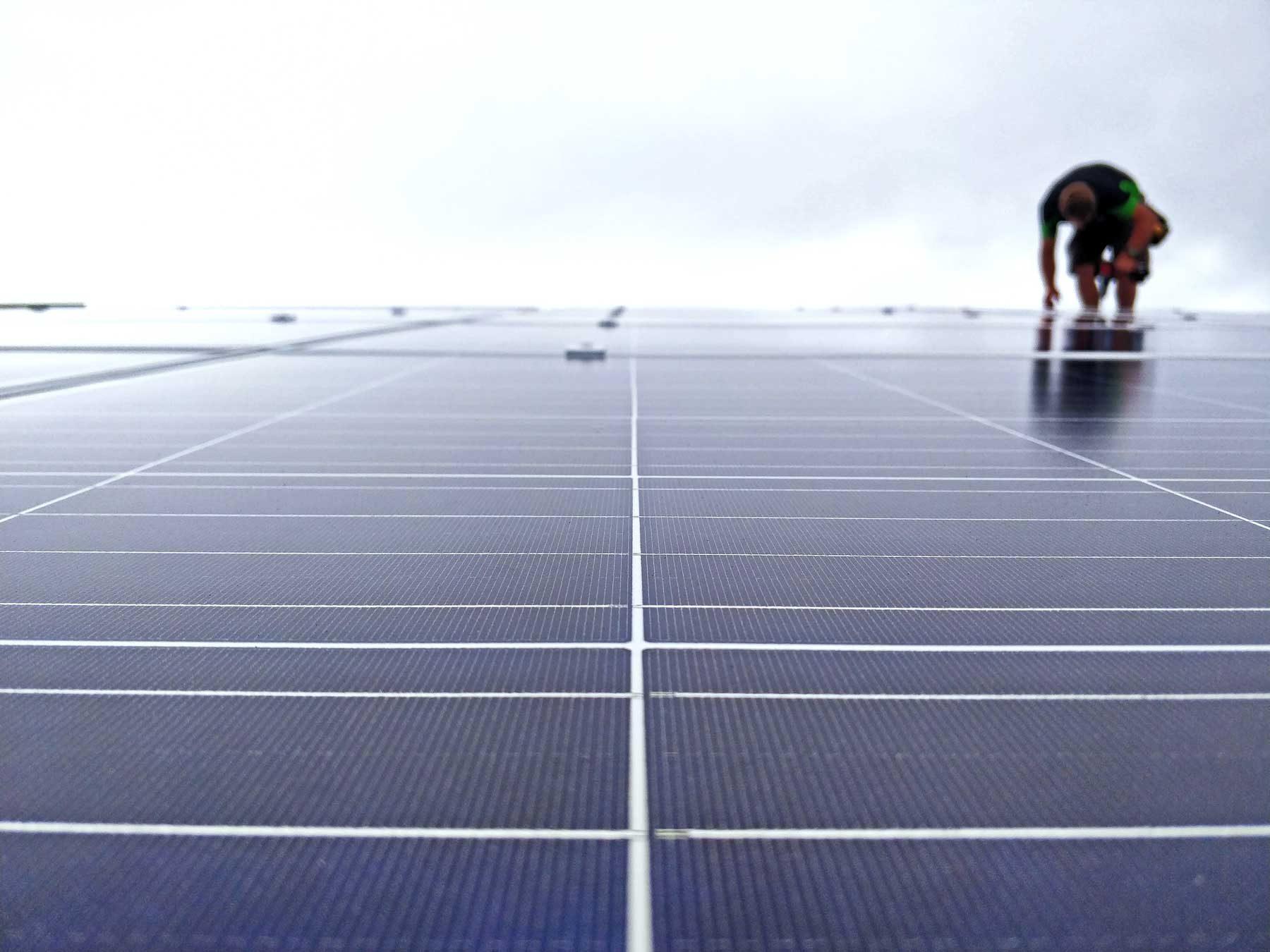 Solar-panels-installation_20180316_115424_1080p