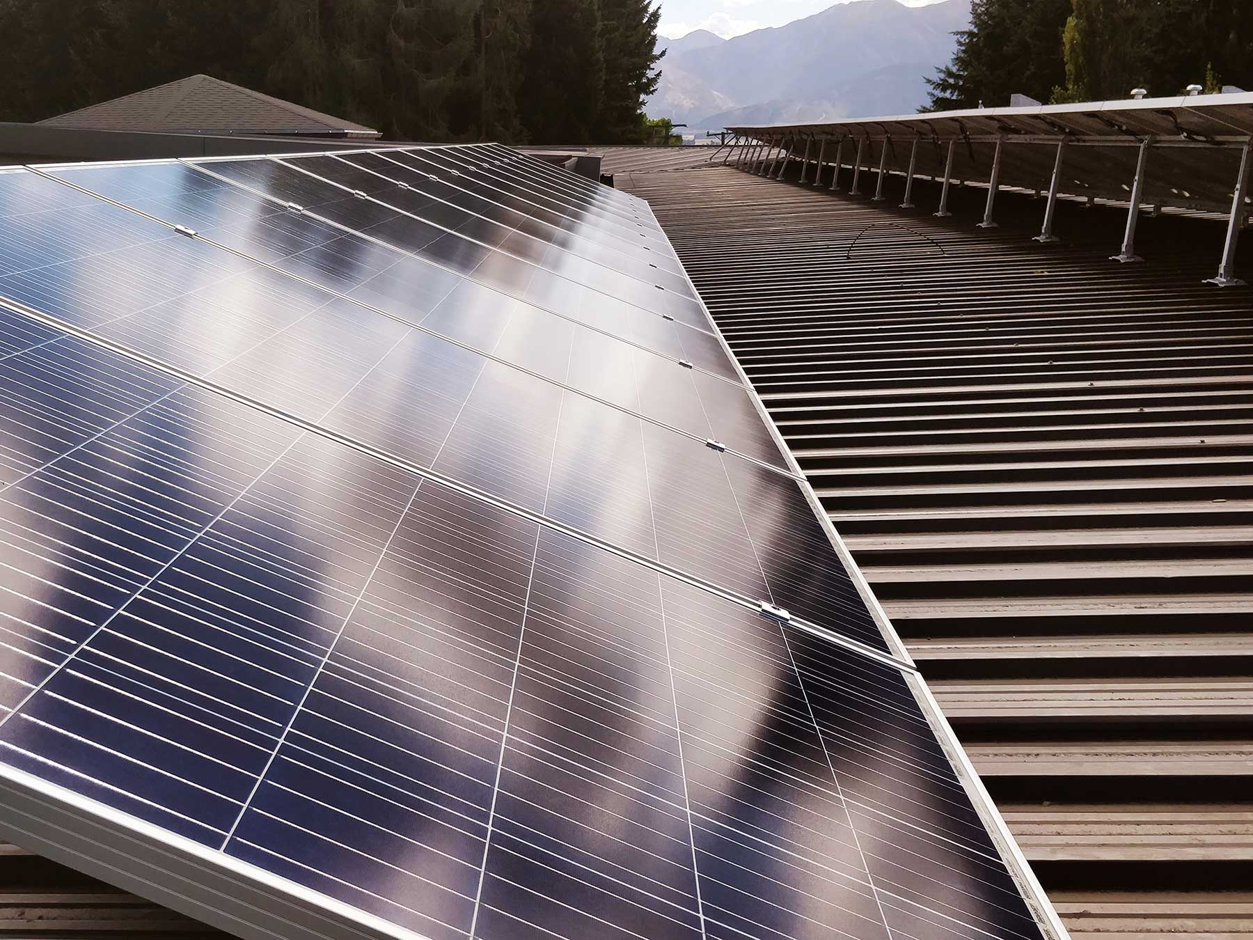 Braemar_Lodge-solar-panels-1800px