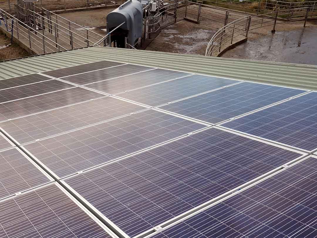 Kirriemuir-Farm-Winton-Sunergy-Solar-installation-P1070801-1080p